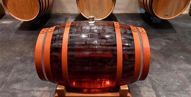 Kristalna barrique bačvica s 225 litara Sauternesa