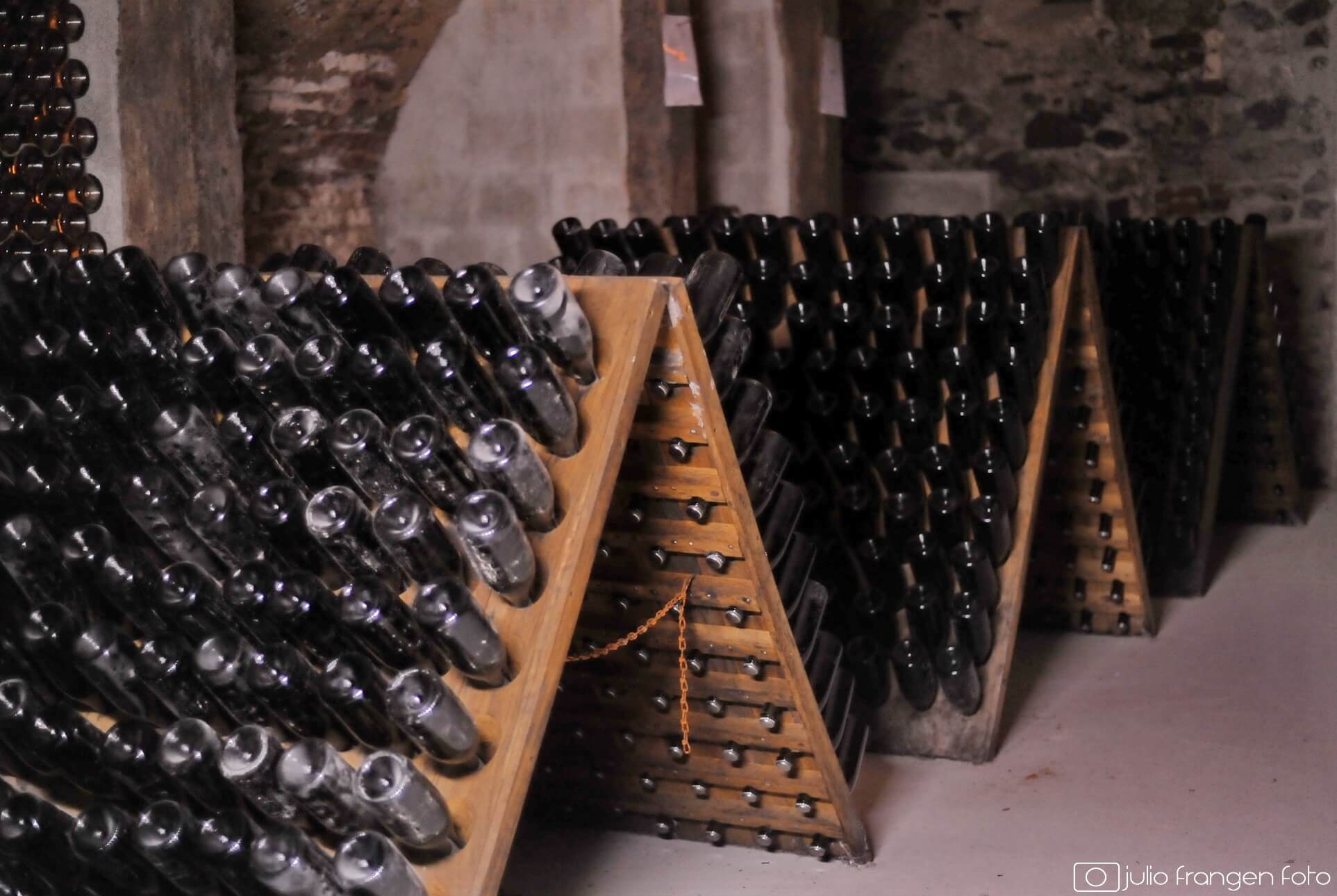 Le français et le vin: pupitre, n.m.