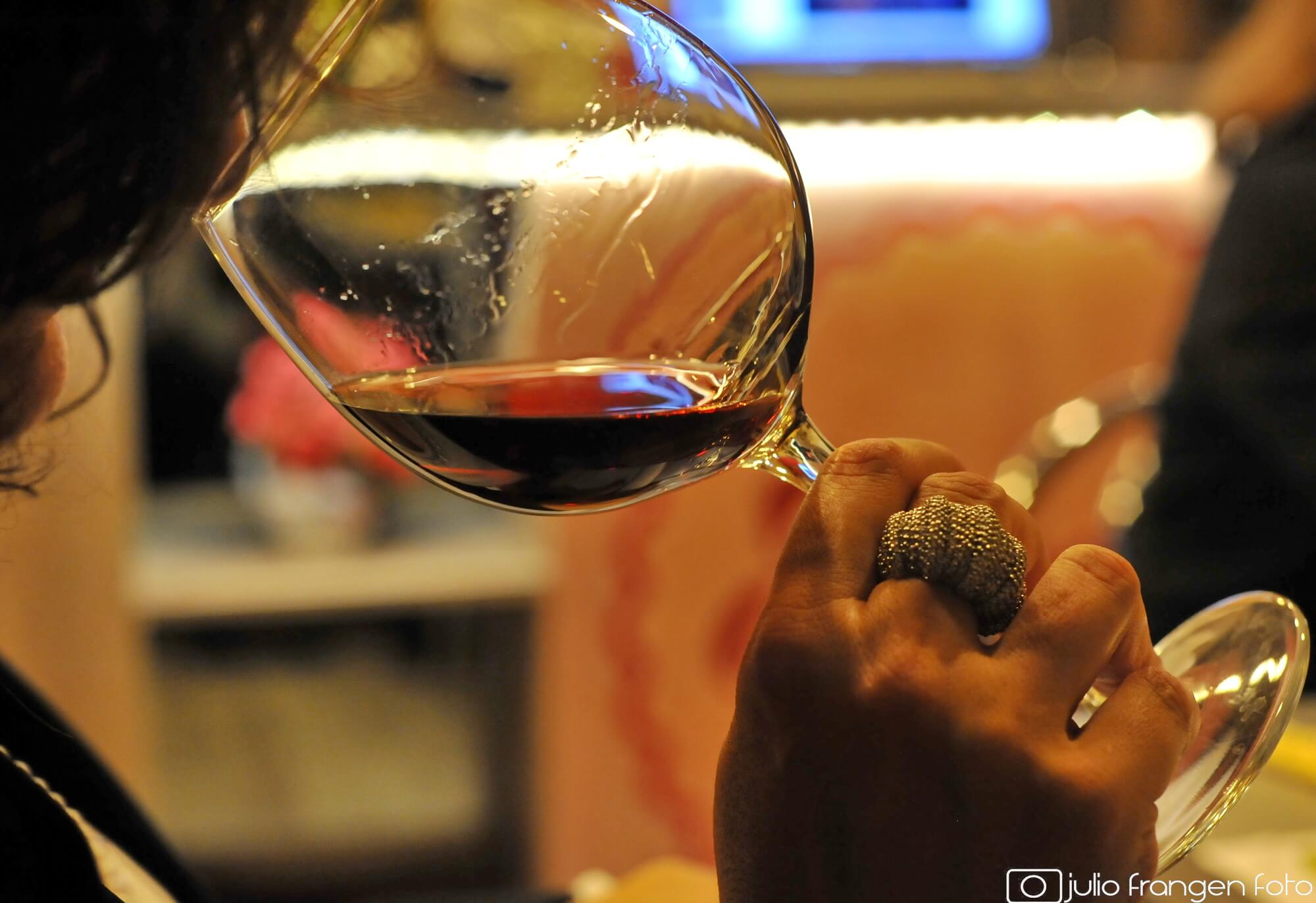 """Le francais et le vin: un vin primeur/jeune  &  la """"vente en primeur"""""""