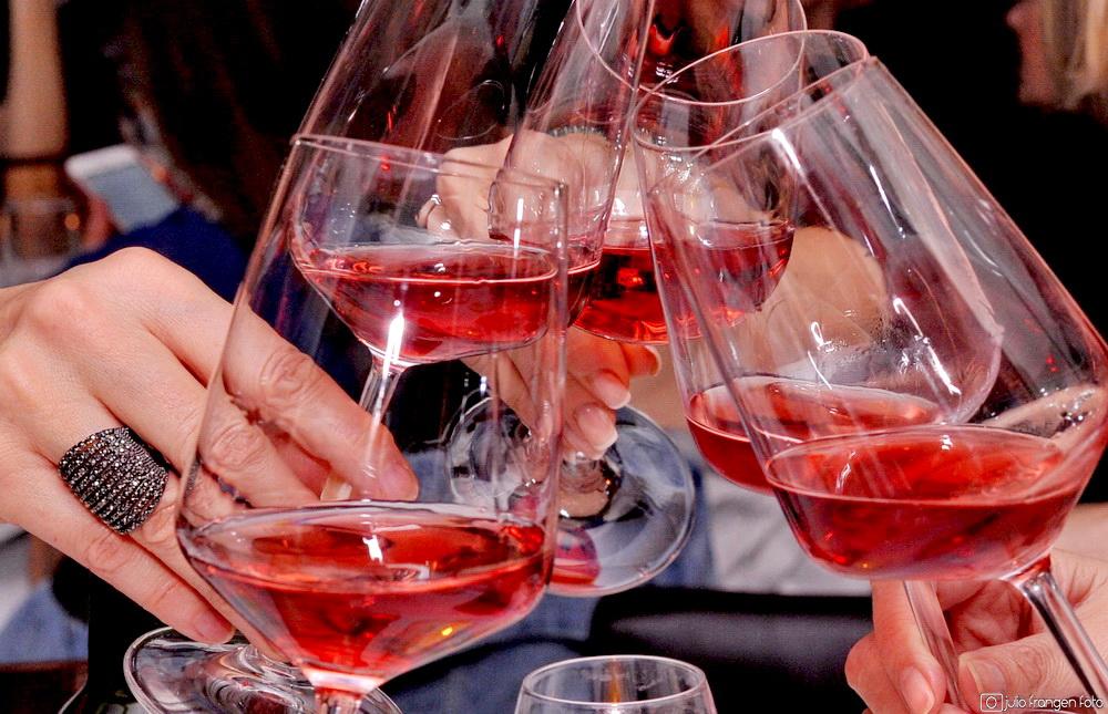 Virtualni Pink Weekend