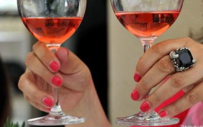 Ružičasti pogled kroz čašu –  Vinske zvijezde u Esplanadi!