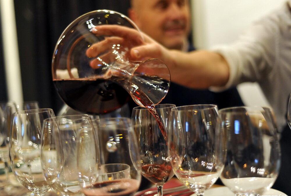 U bocama s hrvatskim etiketama pronađeno vino iz Italije, Makedonije i Čilea!
