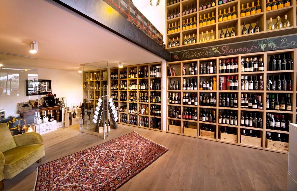 MIVA galerija vina predstavila novi katalog s blagdanskim poklonima!