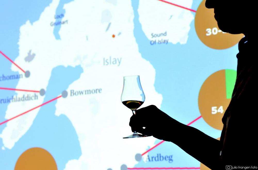 Škotski otok Islay – raj za single malt viskije s mirisom dima!