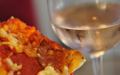 Pizza i pjenušci – izvrsna kombinacija!