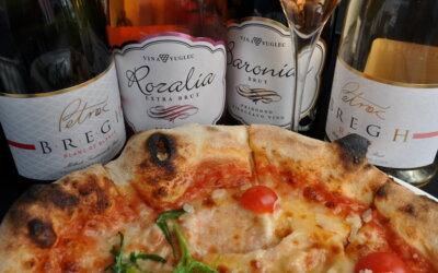 Pizza & pjenušac u podne u restoranu Rosetina!